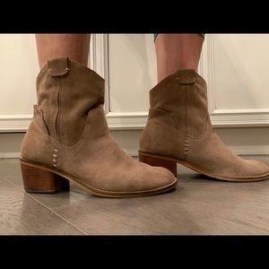 Dolce Vita Western Bootie Size 8.5